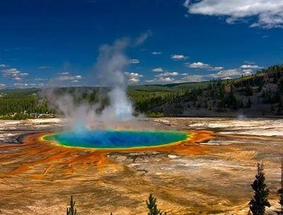บ่อน้ำพุร้อนที่ใหญ่และสวยที่สุดในอเมริกา