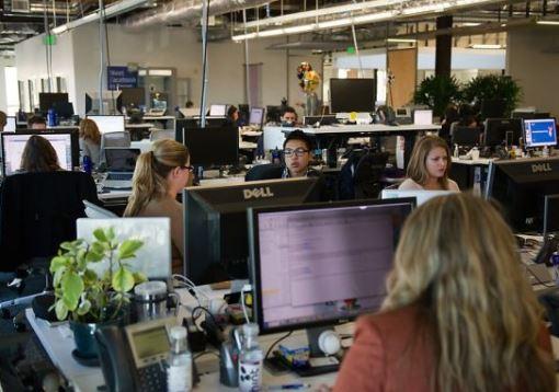 ทำงาน office ในอเมริกา